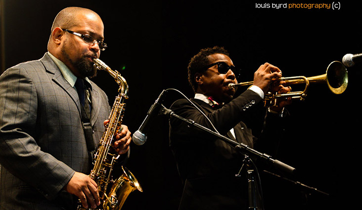 """""""I had a chance to hear many of the great jazz musicians growing up in New York frequenting the clubs as early as the age of 15."""" - Justin Robinson with Roy Hargrove at Chicago Jazz Festival"""